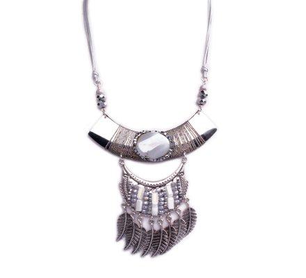 Collier Lolilota plastron arche argent perles grises et plumes