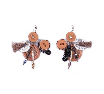 Boucles d'oreilles LOLILOTA breloques Rosacia plumes et pompons camel et argent