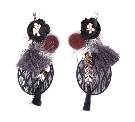 Boucles d'oreilles LOL noires fleurs à filigrane pailleté pompons et plume