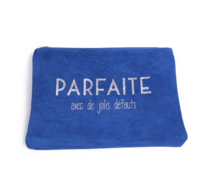 Grande pochette aspect daim bleue Parfaite avec de jolis défauts