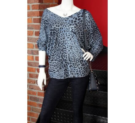 T-shirt léopard bleu ciel forme chauve-souris