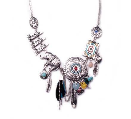 Collier Lolilota ethnique Rosace ciselée à plumes elephant et totem